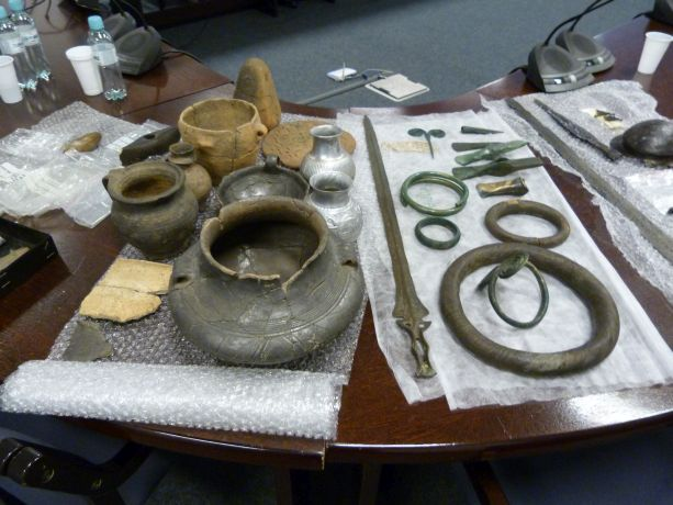 Excavated items presented during the lecture The archaeological time machine